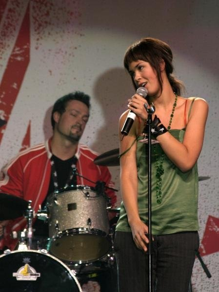 Maria Mena Live Showcase (Stars for free 2004)